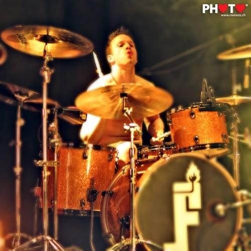 Feuerzeug Drummer Marc @ Nouveau Monde, Fribourg