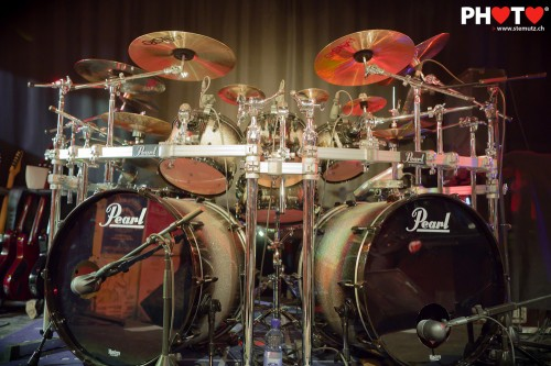Attack Vertical's beautiful Pearl Diamond Burst double-bass drumkit  !! by stemutz