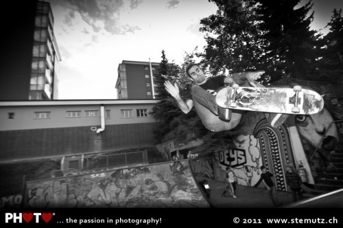 Lulu big frontside air ... Skateboarding Day 2011, Fribourg, 21.06.2011