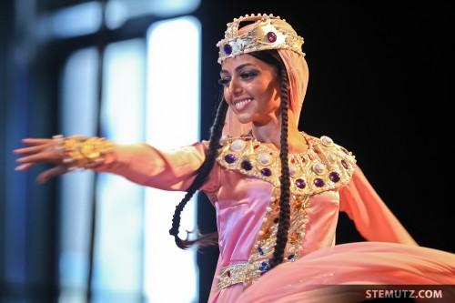 Dancer Tamuna ... NATIONAL ENSEMBLE - GEORGIAN FOLKLORE @ RFI 2010