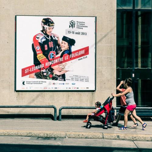 Big size prints (F24) in the city : RFI2013, Julien Sprunger & Graziela dancing! :-)