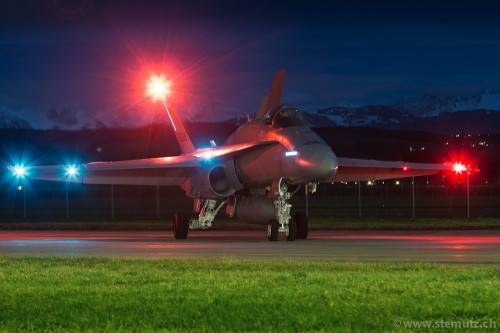 Top-Gun by night ... Vols de nuit @ LSMP, Payerne Airbase, 03.01.2012