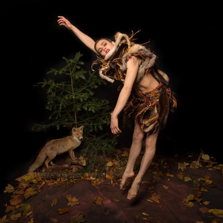 Fox Jump ... Nina Burri Shoot @ CHAMBRE NOIRE Studio, Fribourg, 30.10.2013