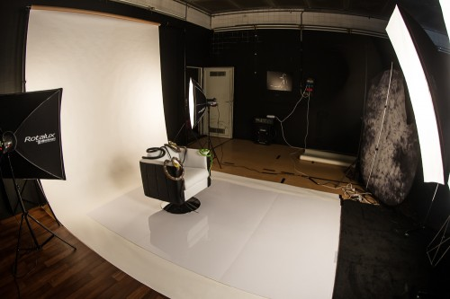Snake Woman Set-Up ... Nina Burri Shoot @ CHAMBRE NOIRE Studio, Fribourg