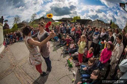 With the People came the Sun ... Fête de la danse @ Place Georges Python, 04.05.2013