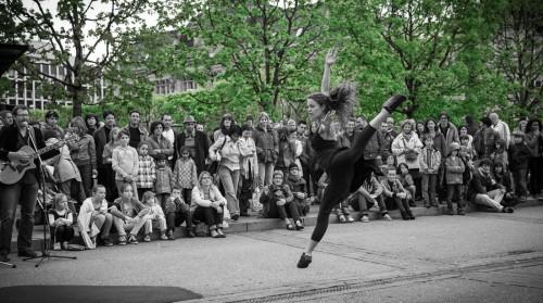 Arielle de Sadeleer ballet jump ... Fête de la danse 2013 @ Place Georges Python