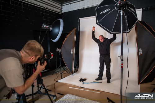 Making-Of Photo by Manuela Stoll ... Gilgen RC2-RC3 Studio Photo Shoot @ CHAMBRE NOIRE