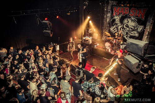 Crowd ... The Frogs / MAD SIN (D) @ Ebullition, Bulle, Switzerland, 11.01.2014