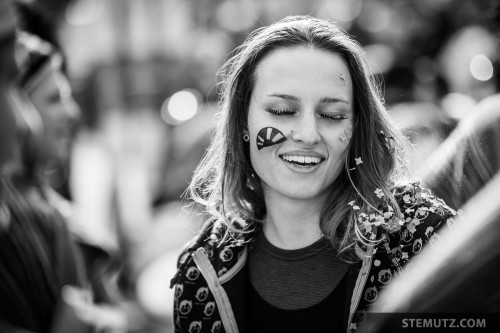 Girl enjoying Confetti Showers ... Carnaval des Bolzes 2014, Fribourg, Suisse