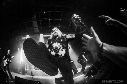 Dez Fafara's Foot at 30 cm ... Devildriver (US) @ Fri-Son, Fribourg, Switzerland