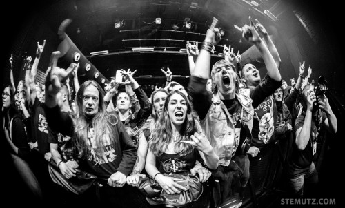 Crazy Crowd ... Devildriver (US) @ Fri-Son, Fribourg, Switzerland, 28.03.2014