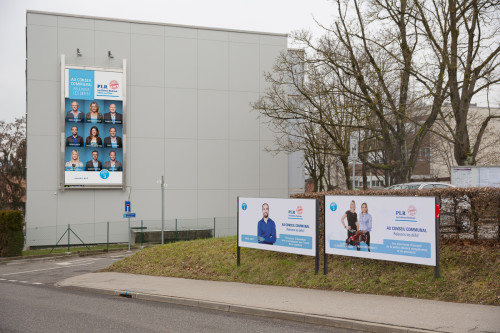 Megaposter Boss Media 6x3m et affiches F12, PLR Villars-sur-Glâne Campagne 2016
