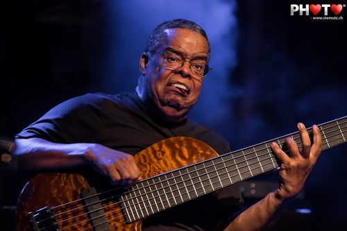 Awesome Bass Player: Anthony Jackson with Hiromi's Trio Project ...