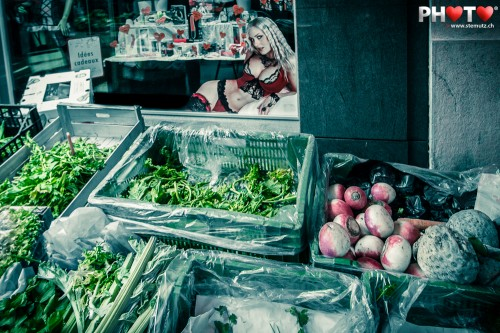 Forms and colours at the market ... Street Photography @ Lausanne City