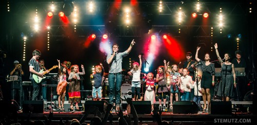 Jump-Around with Kids on Stage ... Gustav @ Jazz Parade, Fribourg, Suisse
