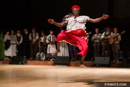Awesome Levitation of Towara, Bénin ... RFI 2013 - Opening Show, 13.08.2013