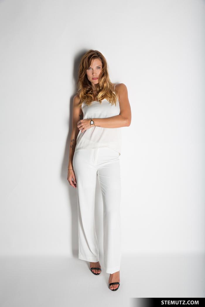 White Setup: Olympian & Model Mirjam Jaeger for ALFEX by STEMUTZ