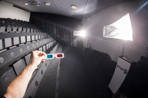 Making-Of: 3D Cinema Group Shot ... retro style 3D glasses!